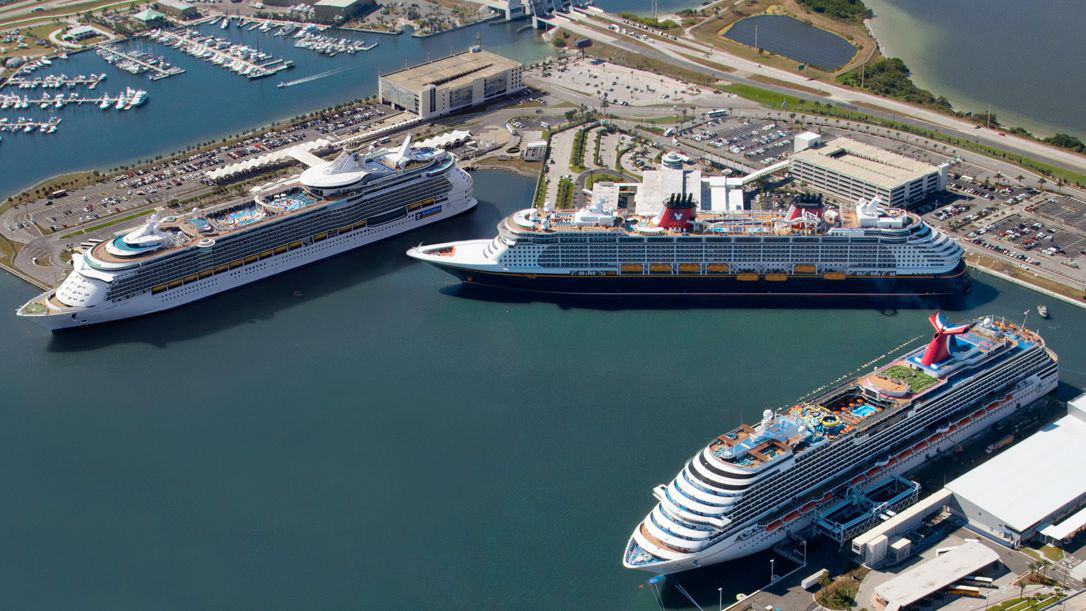 Port_Canaveral_cruise-ships